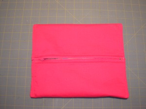 Boxy Pouch with Concealed Seams (16)